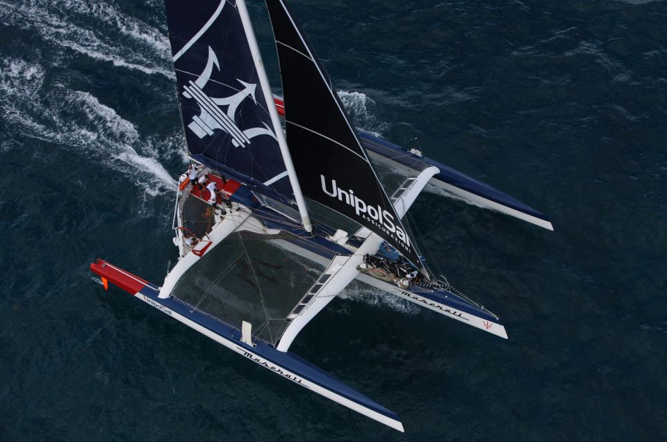 Maserati Multi70 in a head to head fight for the lead with Phaedo3
