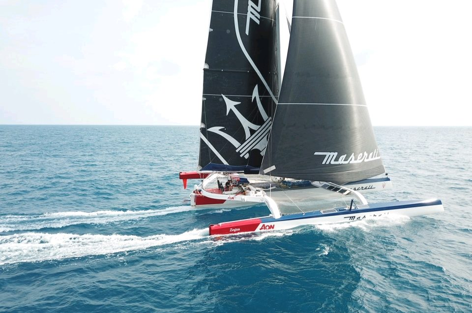 Hong Kong-London / Maserati Multi70 crossed the Equator at 3:13 UTC