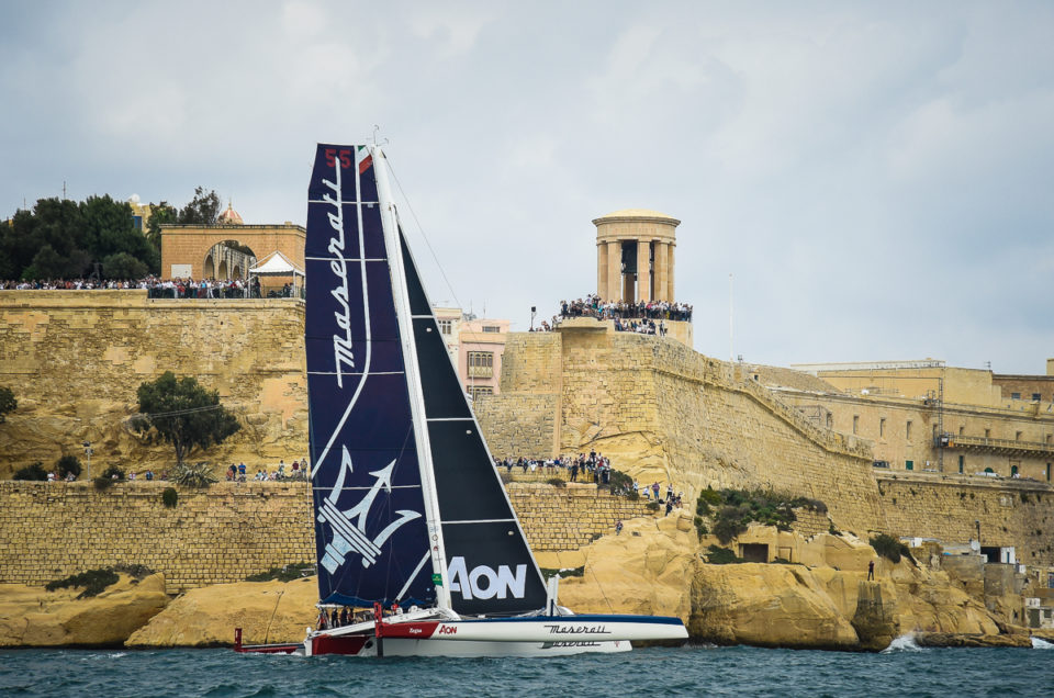 Partita la Rolex Middle Sea Race, Maserati Multi 70 vola a 15 nodi in prima posizione