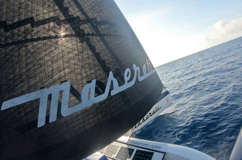 Maserati Multi 70 passed the cold front and is sailing with a Northern wind